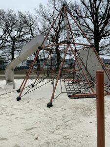 jeu skyclimber v2 pour enfants pyramide de cordes