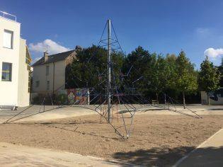 pyramide de cordes-Rennes-35-aire de jeux